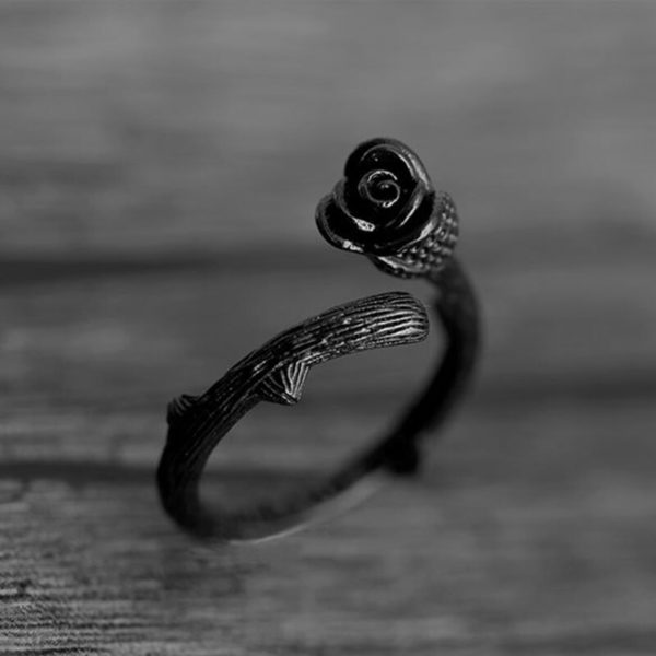 Elliz Clothing Black Rose Ring