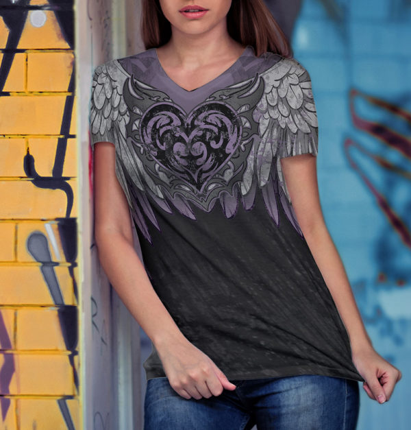 Elliz Clothing Purple Heart v-neck t-shirt Model